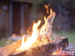 7 DIY Ideas For Awesome Outdoor Entertaining In Any Season!